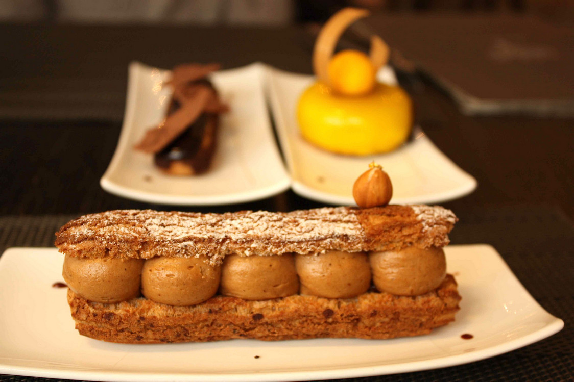 Paris-Brest - Cheese cake mangue - Eclair chocolat © P.Faus
