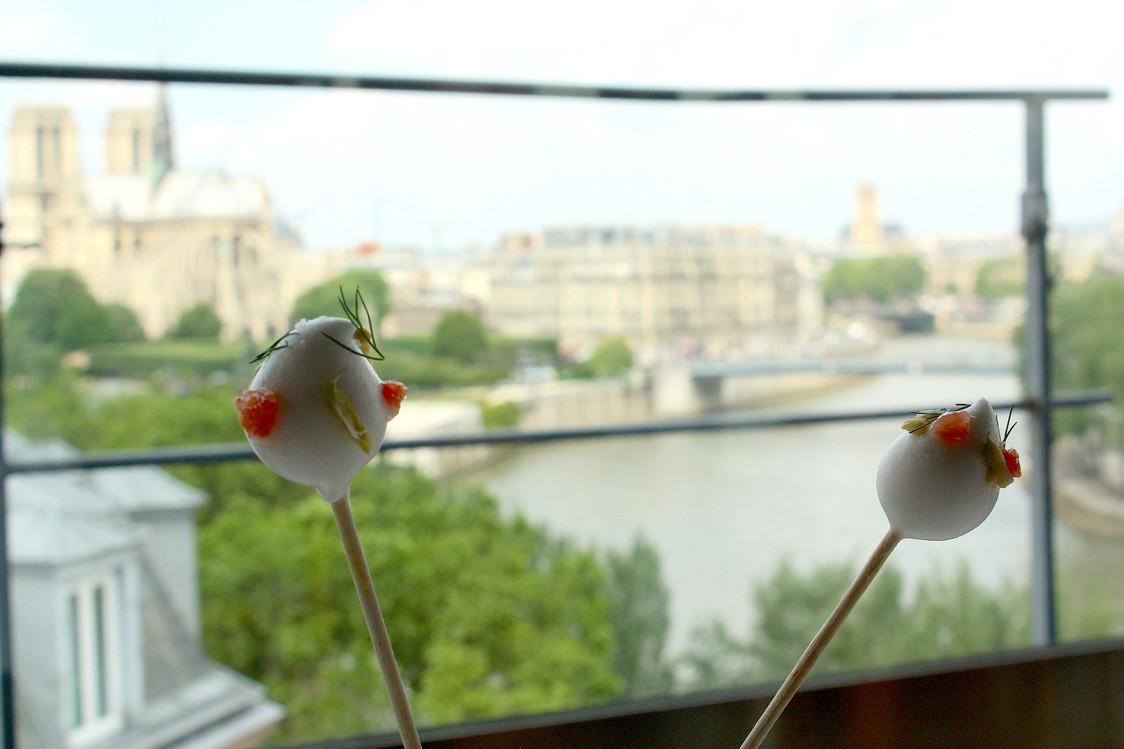 Sucette d'asperges blanches © P.Faus