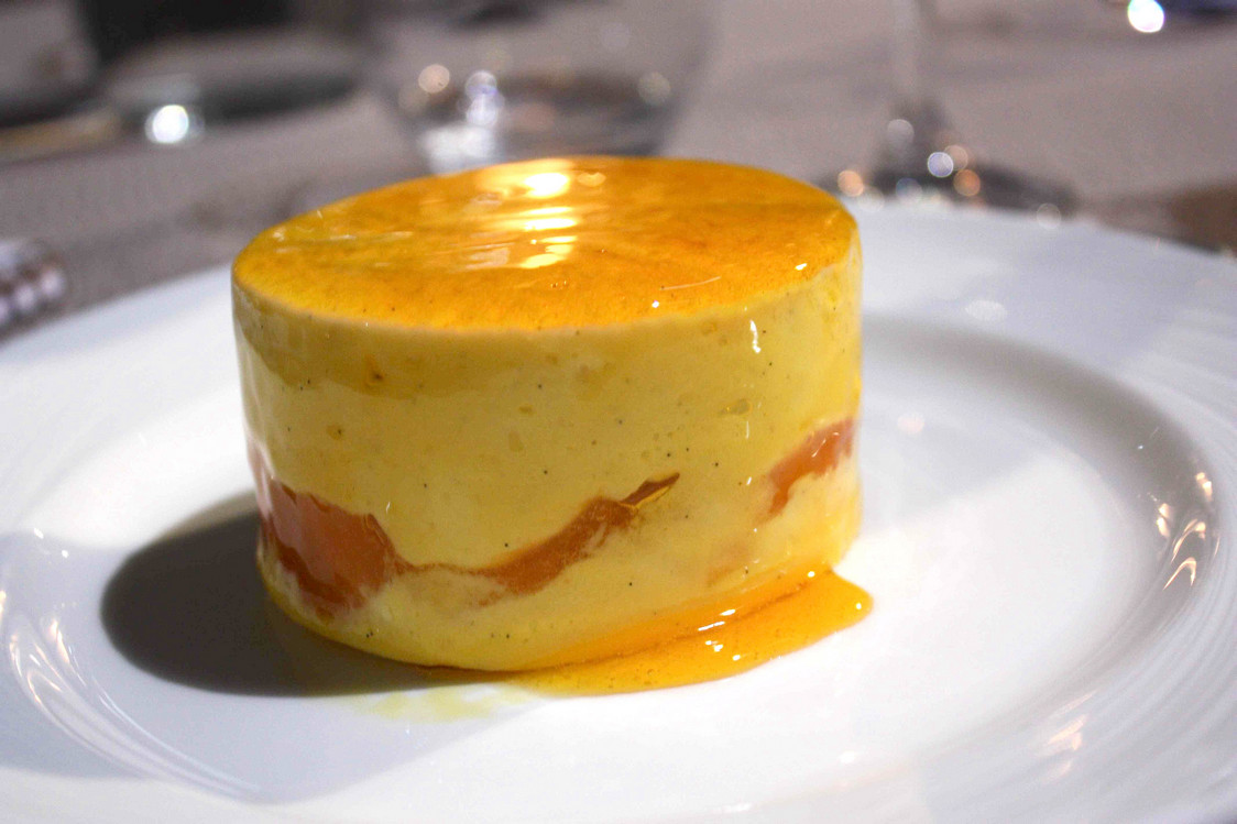 Abricots rôtis, flan © P.Faus
