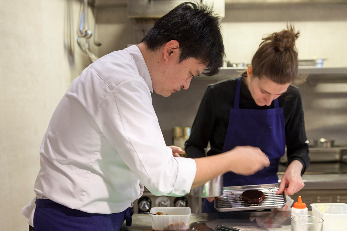 Le chef Toshitaka Omiya ..