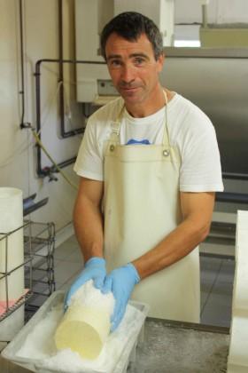 Et voila le fromager chez Gineste © P.Faus