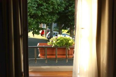 Fenêtre sur place © P.Faus