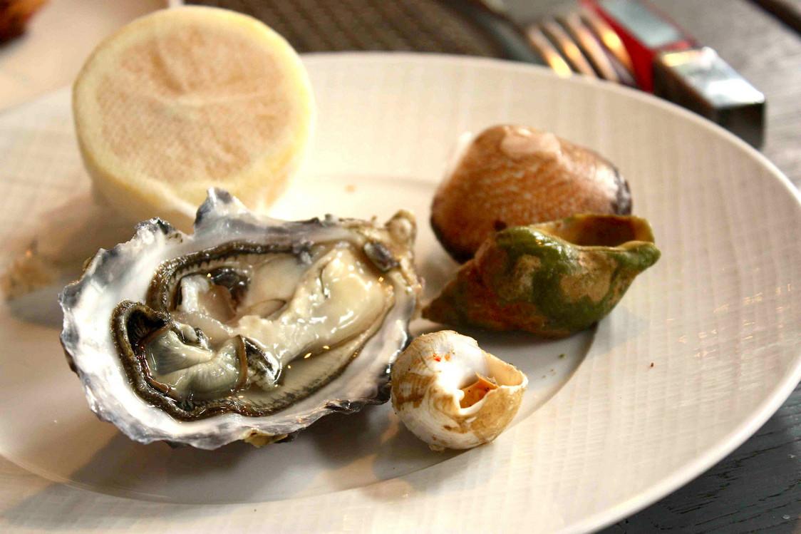 Huîtres, bulots, amades de mer… © P.Faus