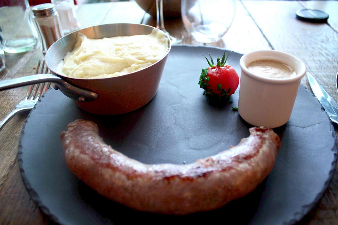 Saucisse d'Auvergne, aligot maison © P.Faus