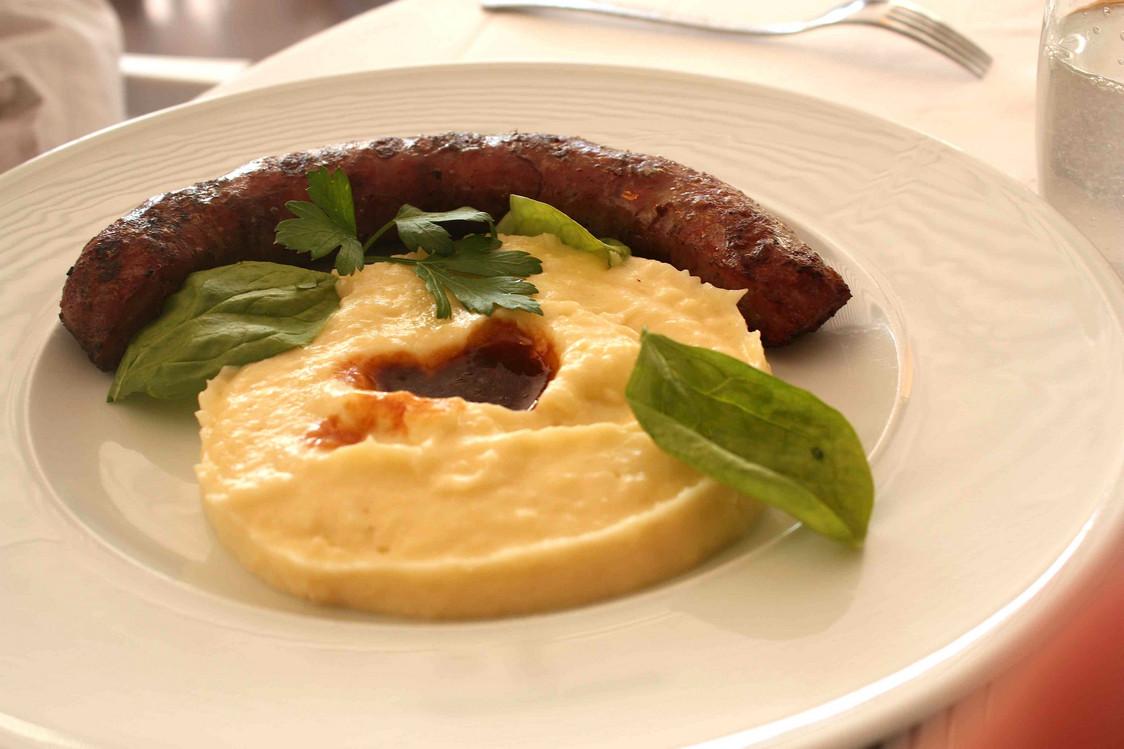 Saucisse de l'Aveyron, au couteau, bio,  grillée  © P.Faus