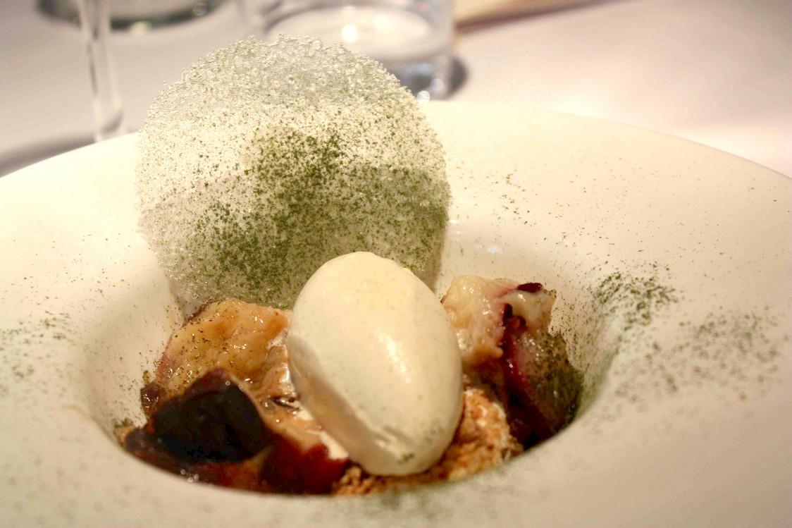 Pêche rôtie, glace vanille © P.Faus   - copie