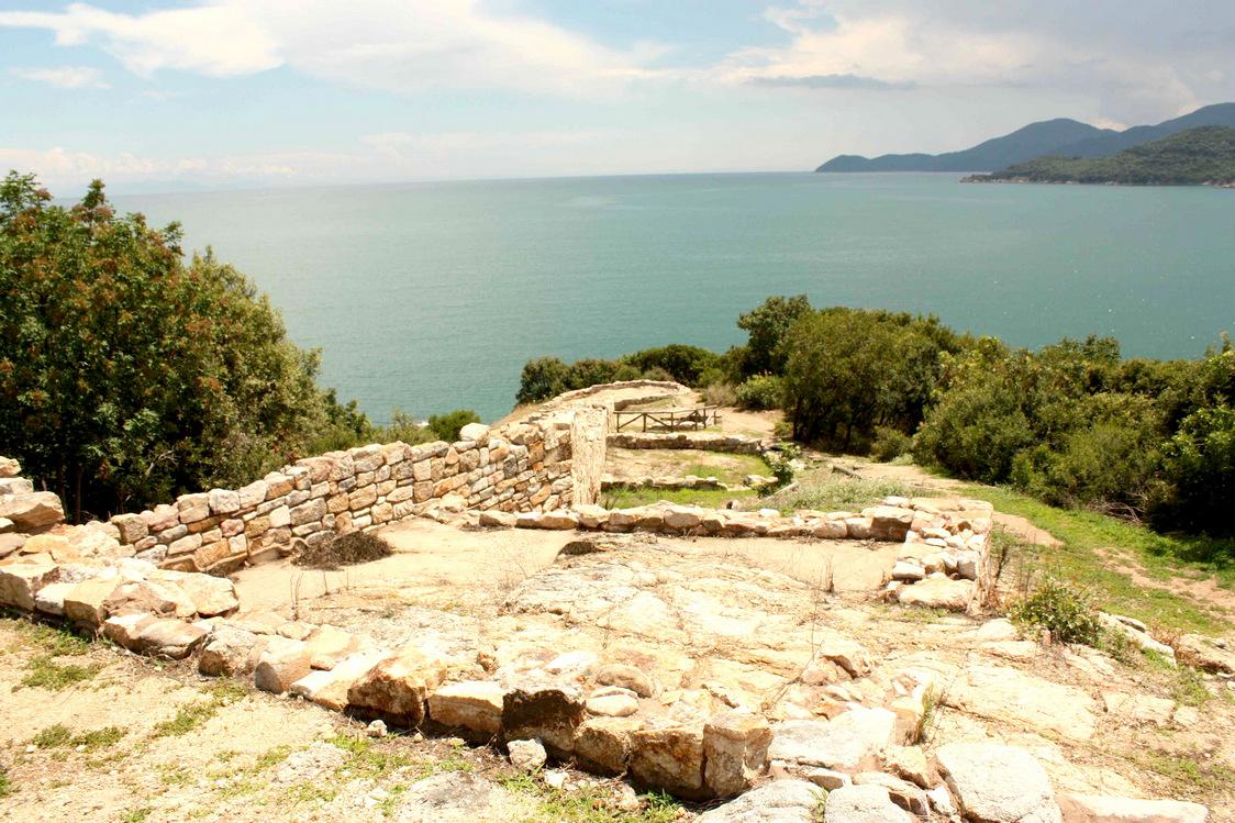 Village d'Aristote sur la mer Egée © P.Faus