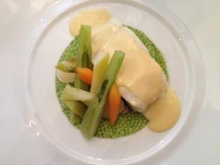 dos-de-cabillaud-cuit-au-plat-legumes-primeurs-beurre-citro-melisse