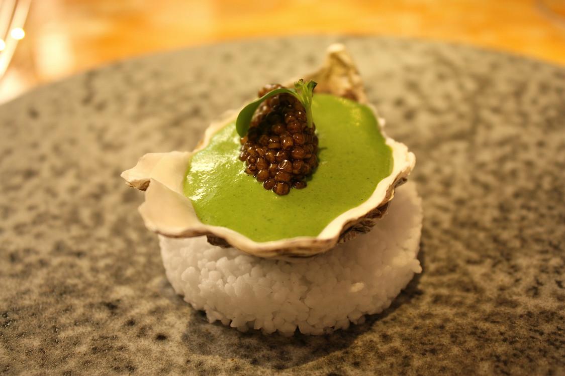 huitre-pochee-sabayon-au-cresson-cavair-golden