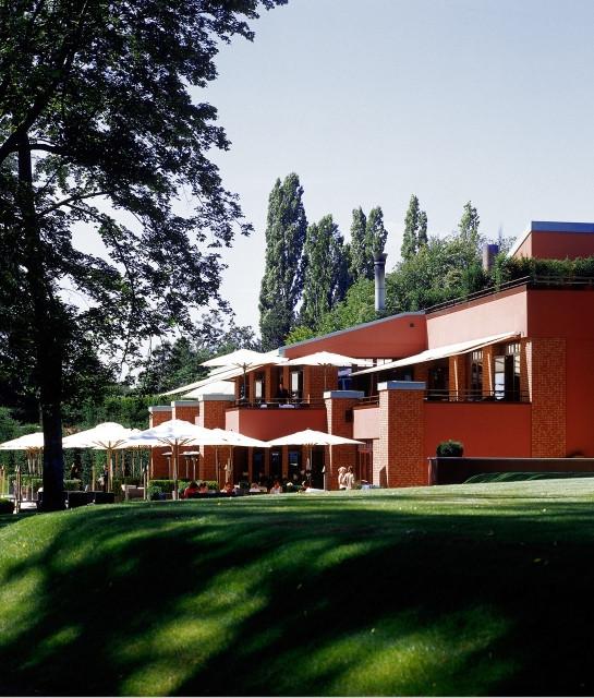 la-reserve-geneve-exterior-building-view-a-01-x2