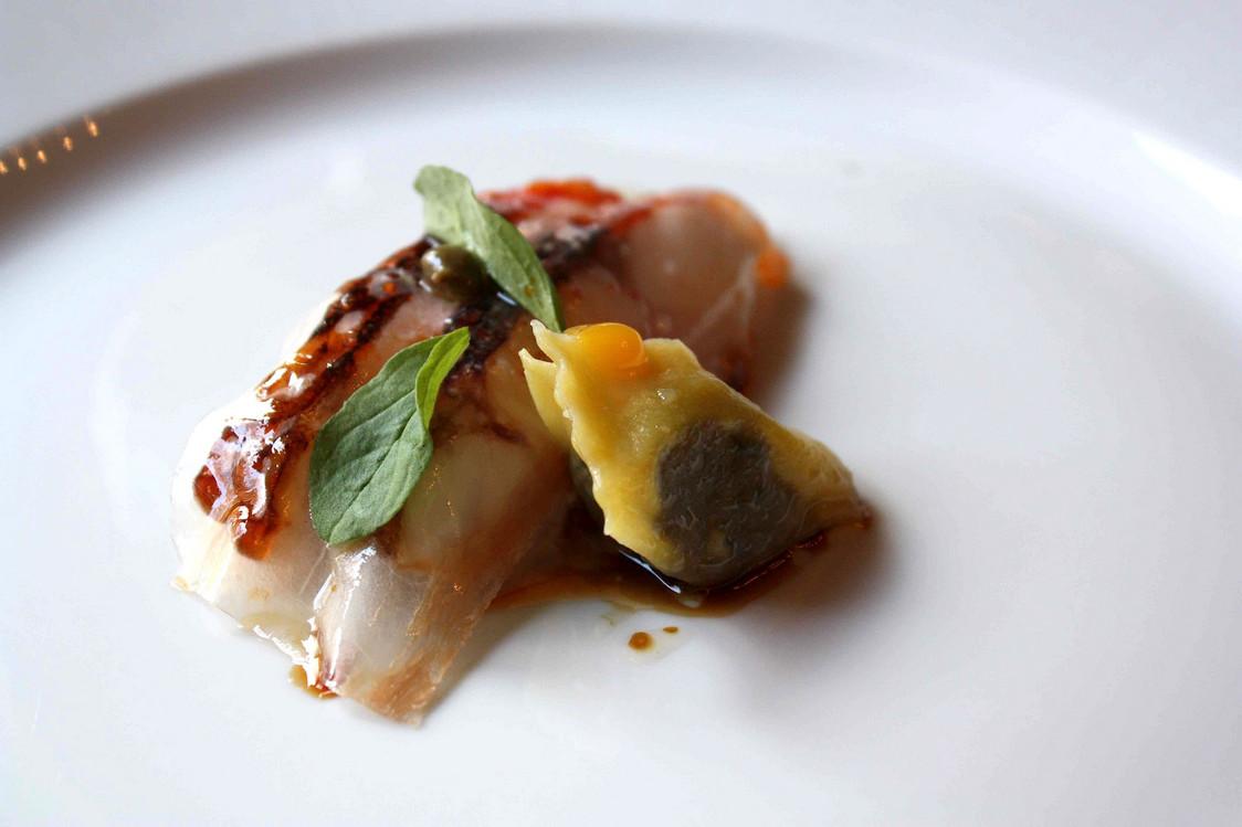 rouget-nacre-raviole-de-lievre-gourmetsco