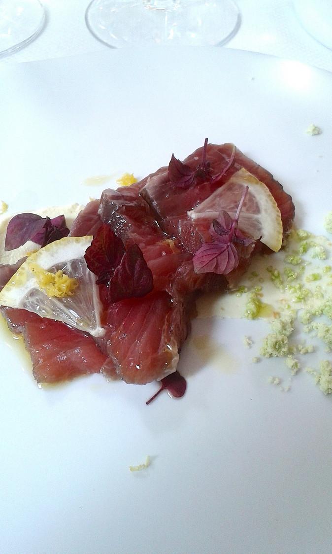 thon-rouge-fume-au-foin-creme-dagrumes-gourmetsco