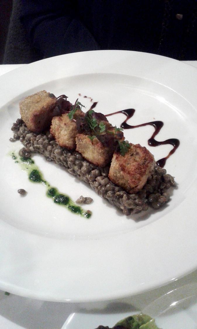 bouchees-de-pied-de-cochon-sur-lentilles-gourmetsco
