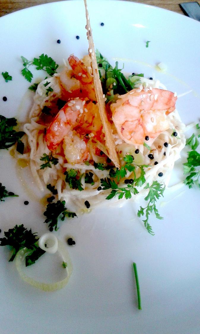 Céleri rémoulade, gambas marinées… © Patrick Faus Gourmets&Co