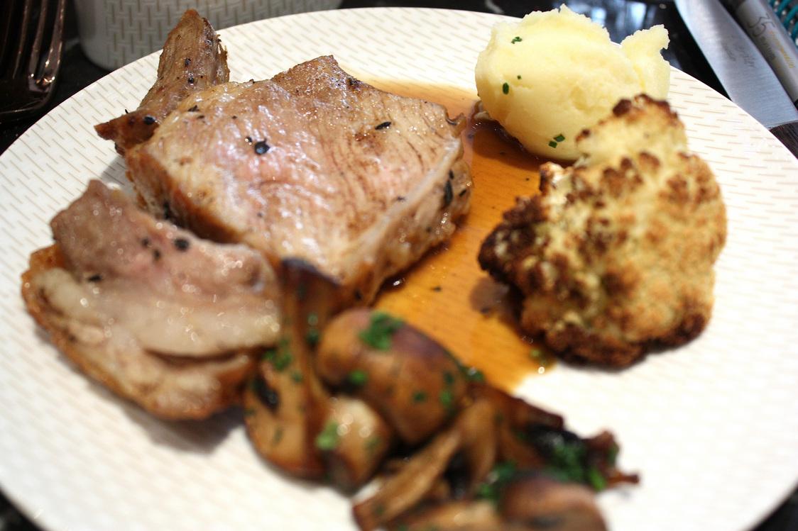 Côte de veau en assiette © Gourmets&Co