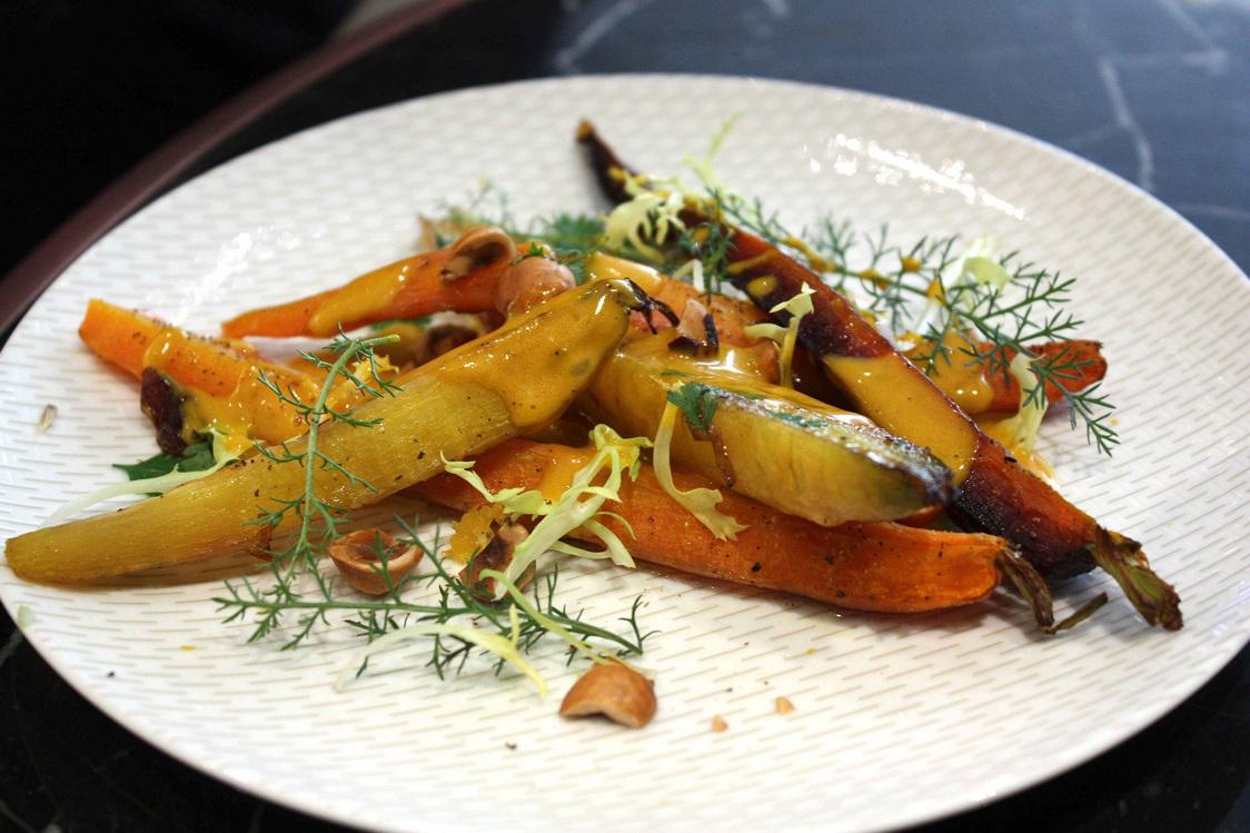Jeunes carottes rôties © Gourmets&Co - copie