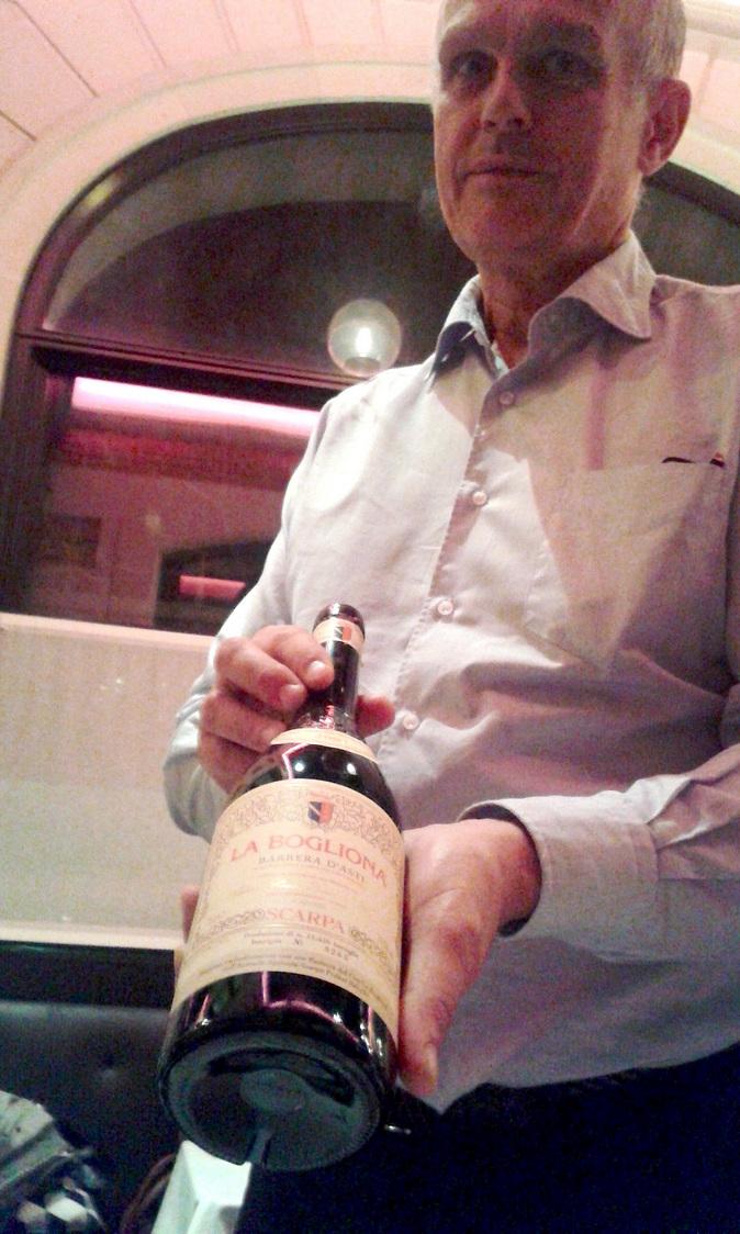 Le patron et une belle bouteille © Gourmets&co