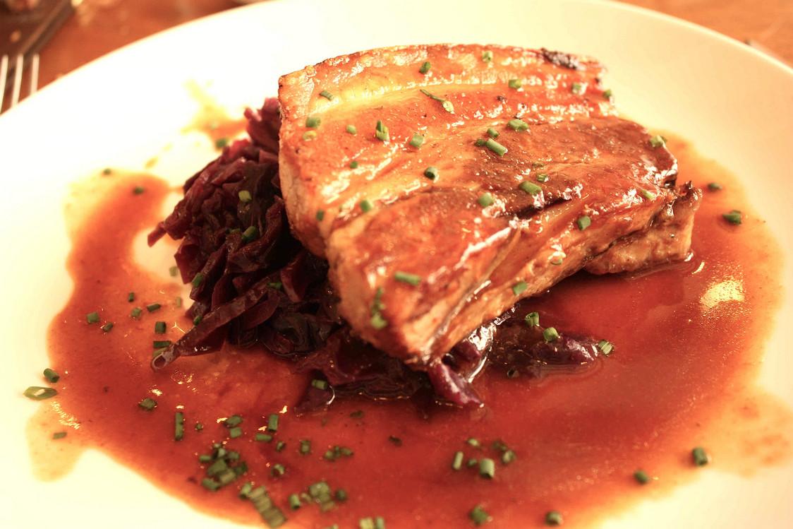 Poitrine de porc, chou rouge © Gourmets&co - copie