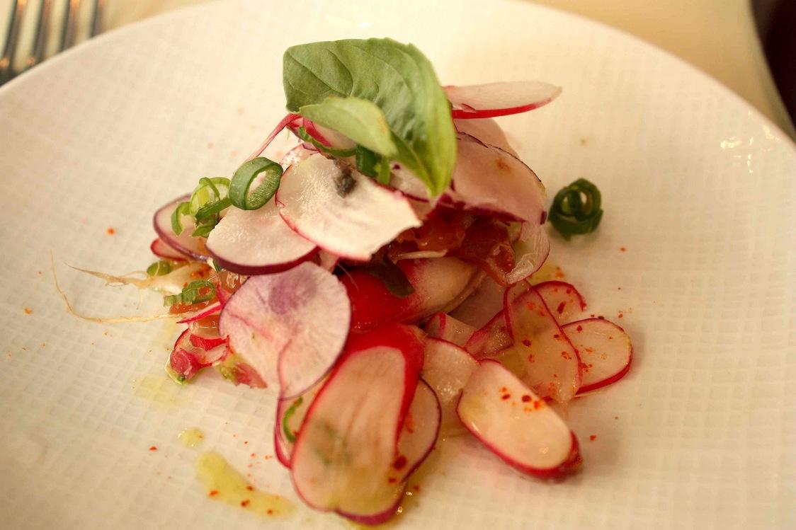 Carpaccio de radis, saumon mariné © Gourmets&Co - copie