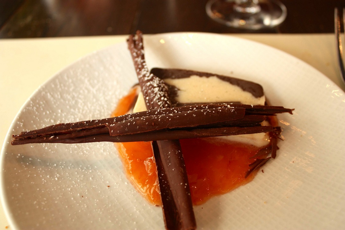 Chocolat, glace vanille, marmelade d'orange © Gourmets&Co - copie