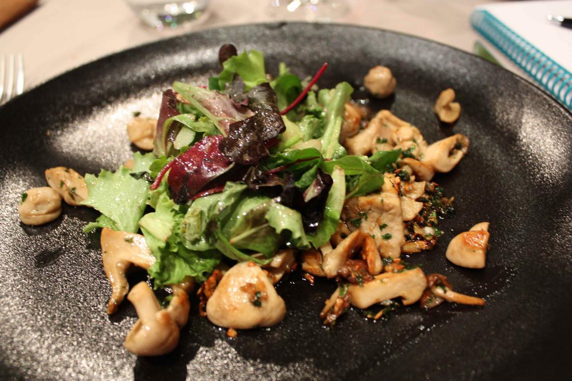 Mousserons en salade © Gourmets&Co