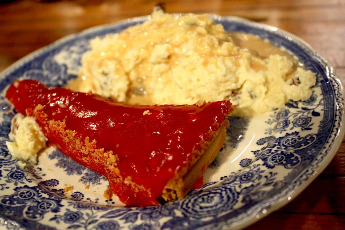 Tarte aux pralins, et sabayon de semoule © Gourmets&Co