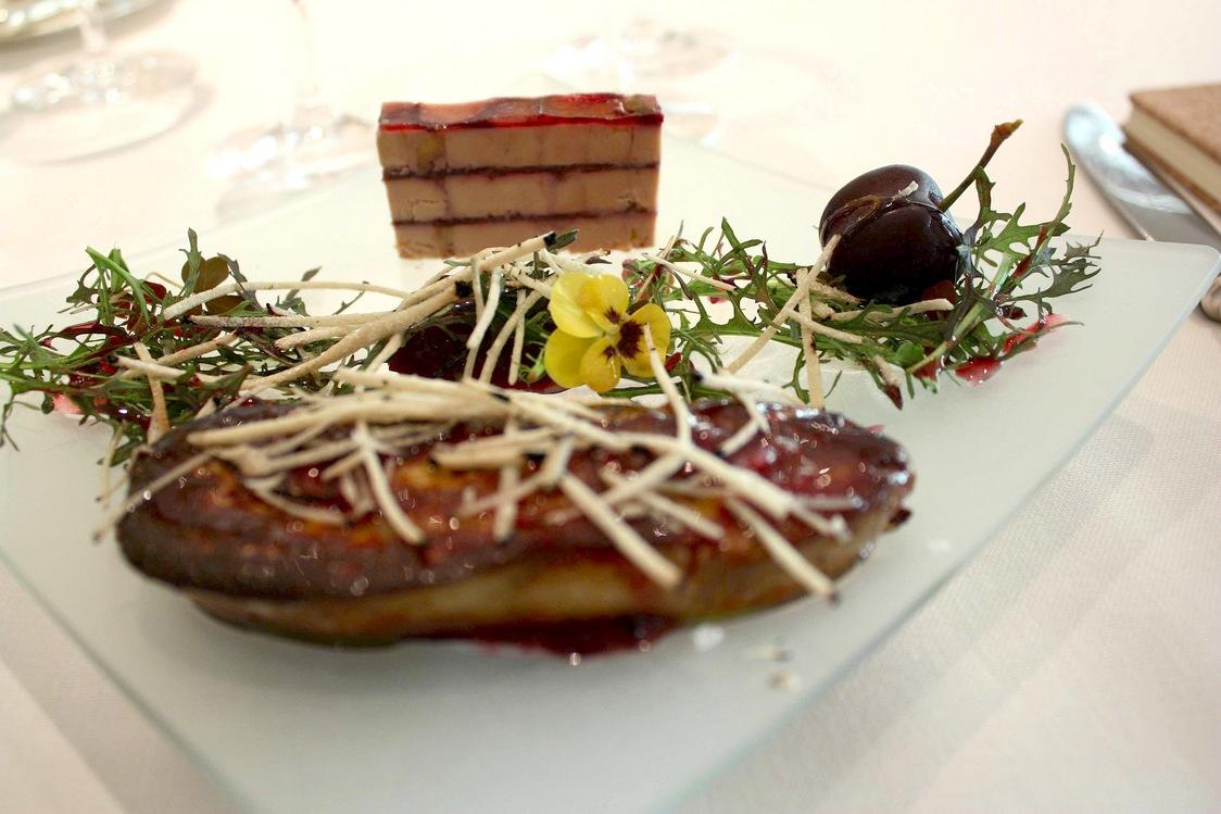 Foie gras en deux parties © Gourmets&Co