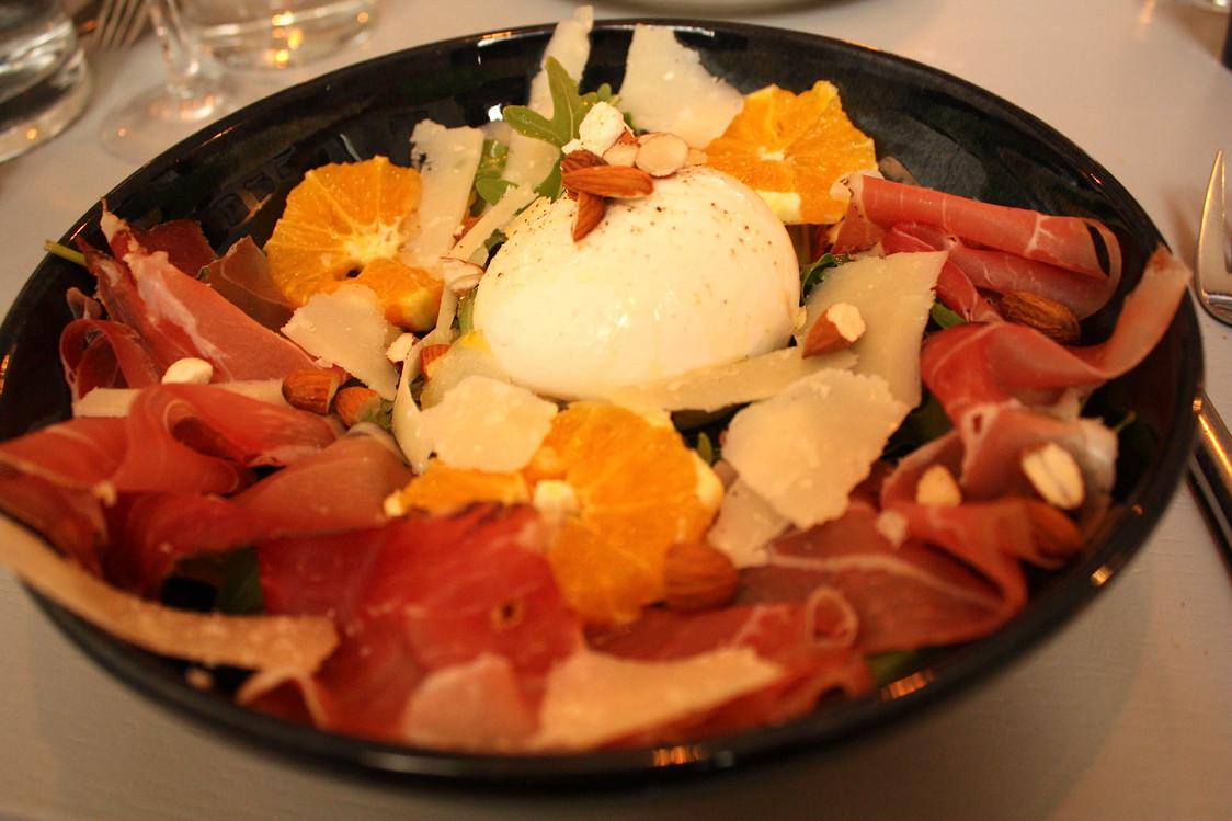 Salade burrata & speck © Gourmets&Co