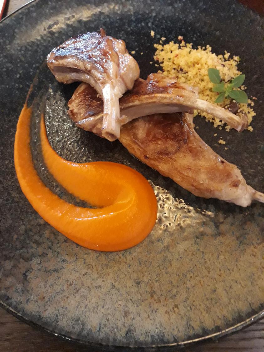 Agneau, harissa, semoule © Gourmets&co