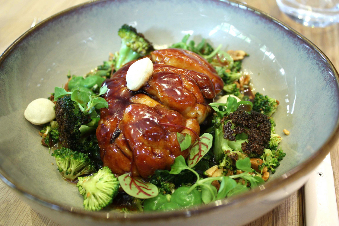 Ris de veau, brocolis © Gourmets&Co . - copie