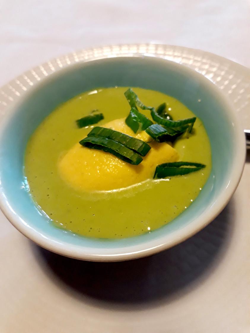 Crème pettis pois, mousse poivron jaune © Gourmets&co