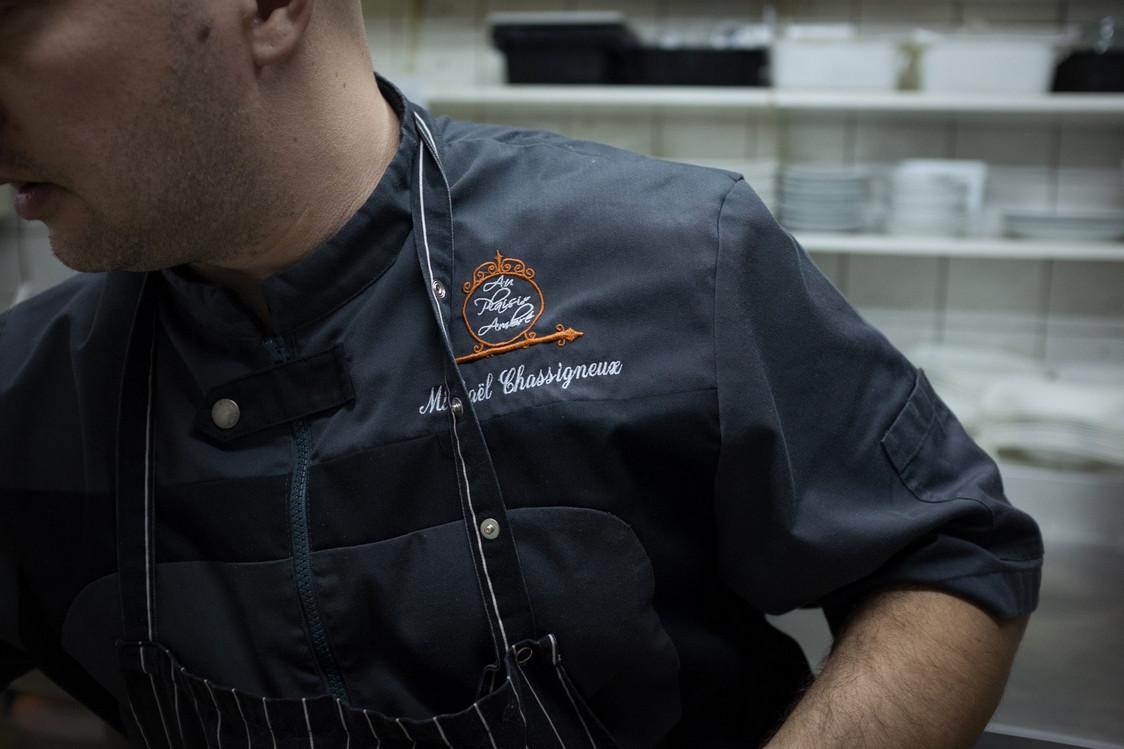 Le chef.Mickaël Chassigneux en cuisine jpg