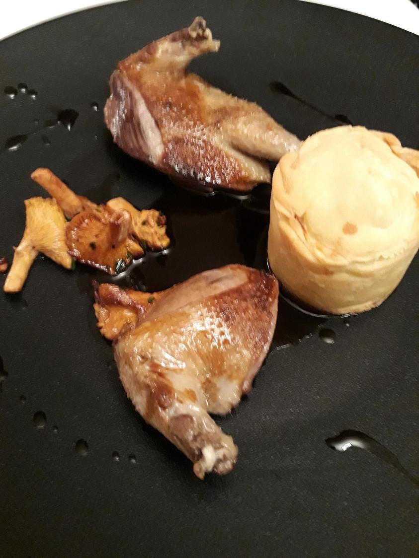 Pigeonnau rôti, phitiviers © Gourmets&co