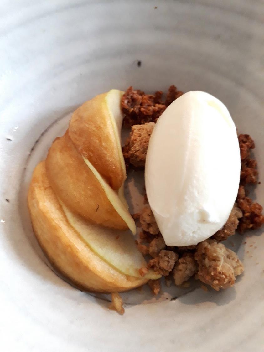 Pomme, glace au lait cru © Gourmets&co