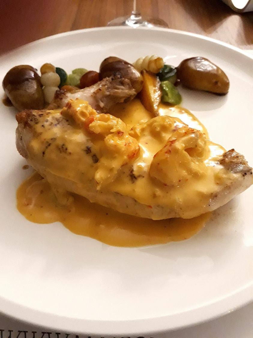 Poulet aux écrevisses © Gourmets&co