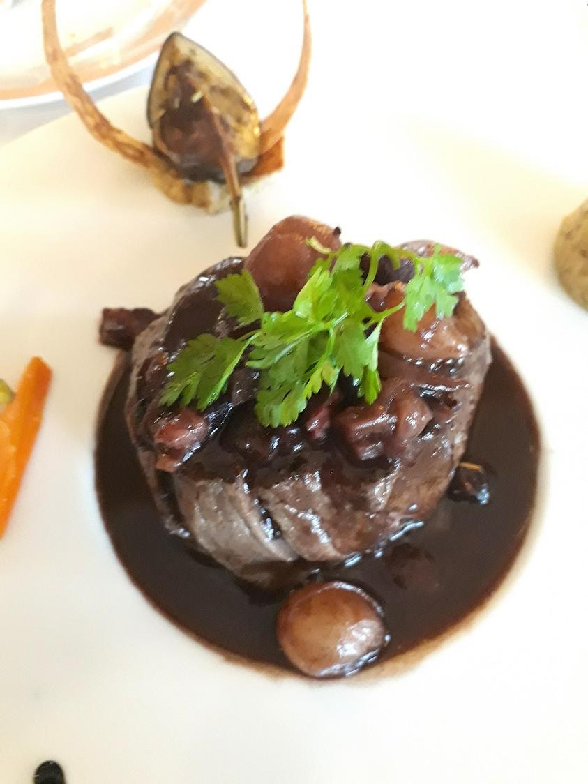Bœuf, sauce meurette © Gourmets&co