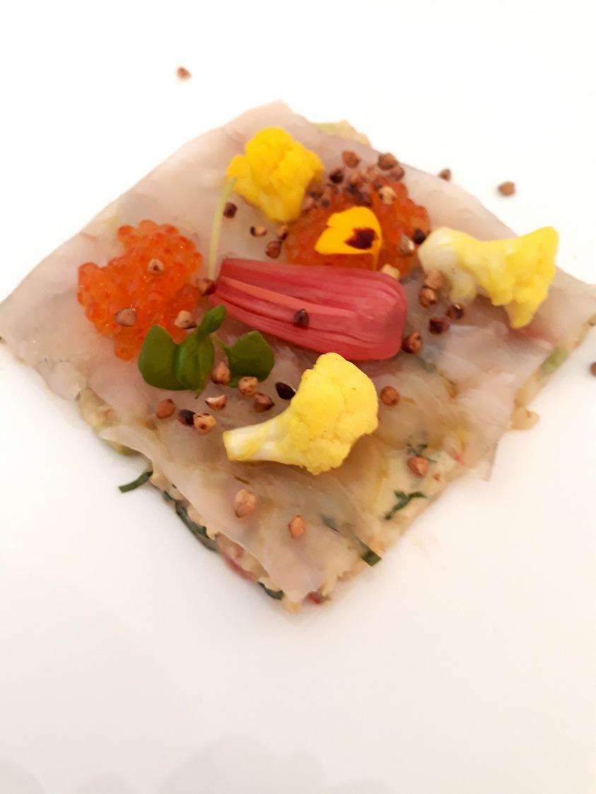 Fines de tranches de bar, salade boulgour,… © Gourmets&co