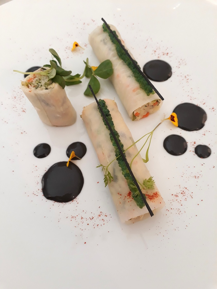 Guy Martin _ Tourteau, radis, mayonnaise encre de seiche © Gourmets&co