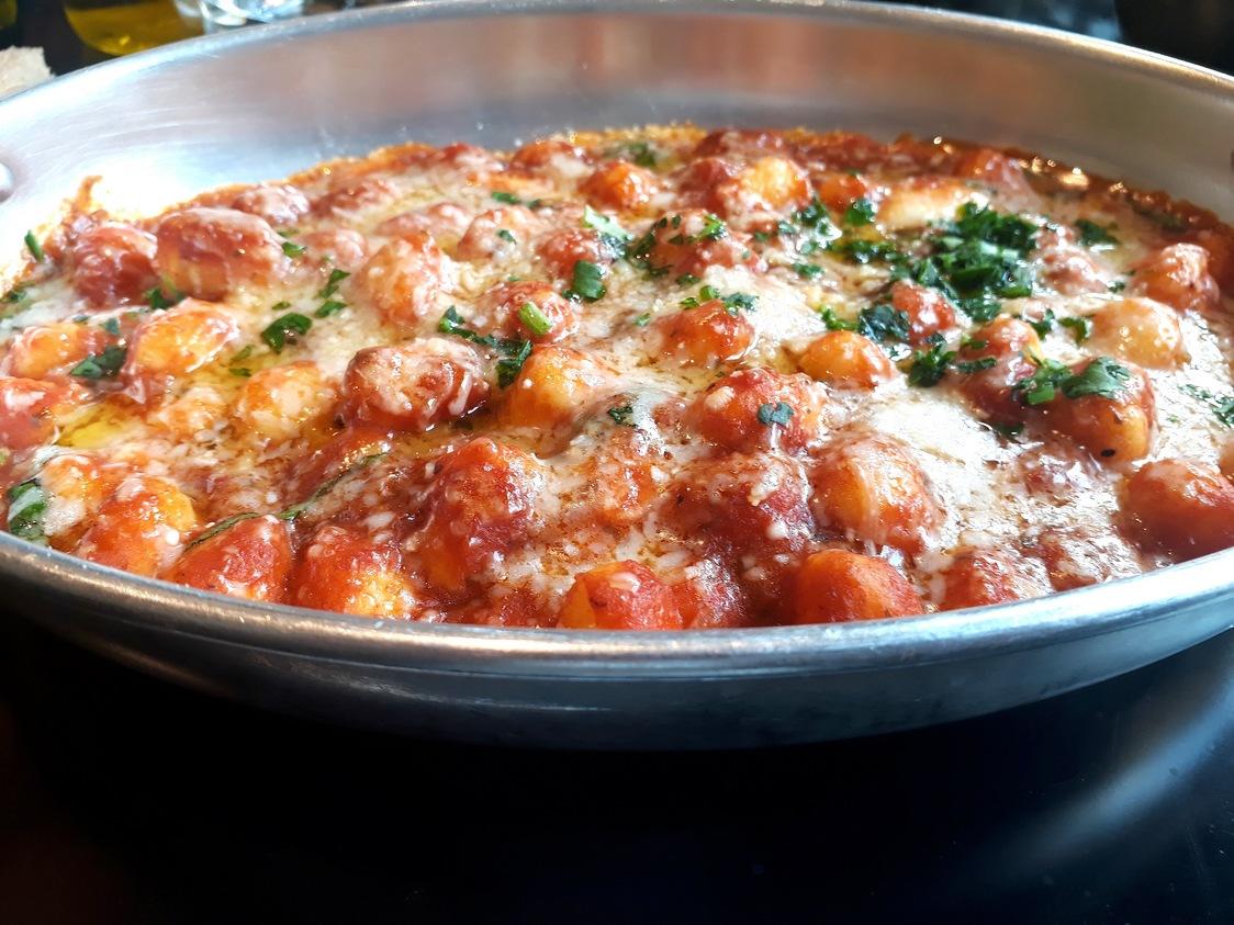 Gnoccheti , tomates, parmesan© Gourmets&co