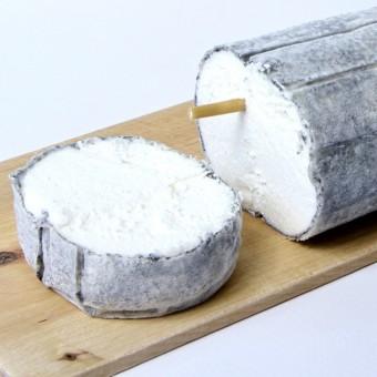 fromage-affine-au-lait-de-chevre-cendre-le-bienvenu