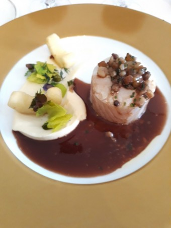 Cabillaud confit sauce Genevoise © Gourmets&co