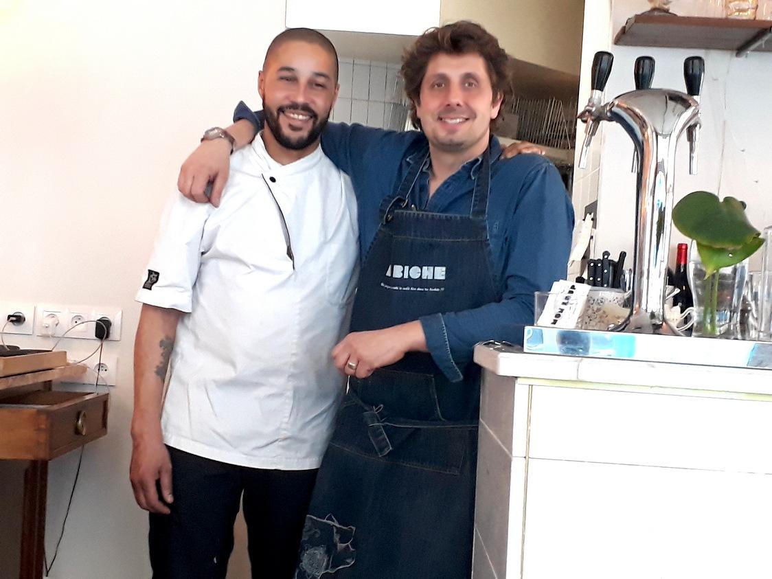 Le chef David Charrier et Serge © Gourmets&Co