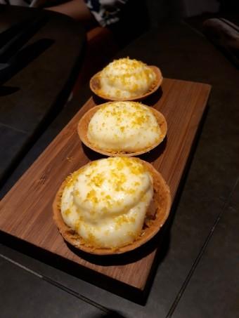 Tartelettes pdt, hareng © Gourmets&co