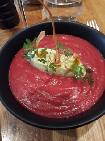 Gaspacho betterave, avocat © Gourmets&co