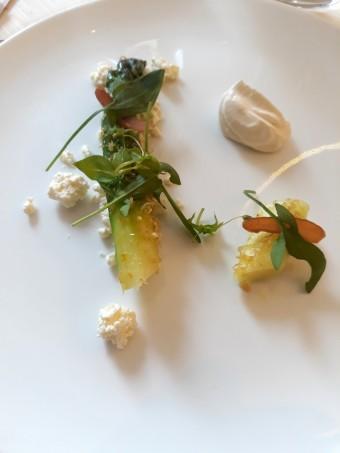 Asperges vertes, poutargue de turbot. © Gourmets&co