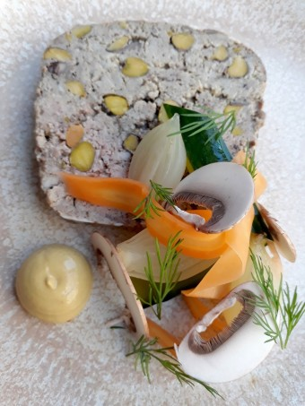 Terrine lapin, pistache © Gourmets&co