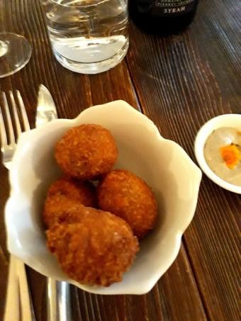 Croquettes de cochon au piment © Gourmets&co