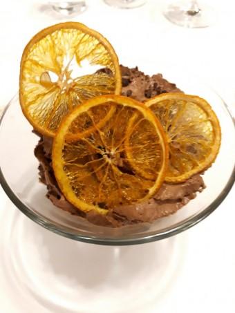 Crumble et espuma chocolat, sorbet mandarine