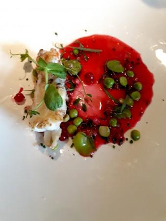 Langoustine royale rôtie, jus de groseille glacé, estragon, mélisse © Gourmets&c