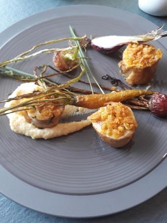 Blanc de poulet fermier, polenta crémeuse, légumes... © Gourmets&co .